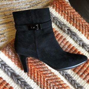 Aquatalia black suede ankle boots size 11